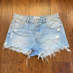 Zara jean shorts US 8